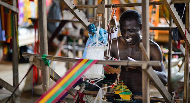 Euromonitor-Sub-Saharan-Africa-Fashion-Kente-Weaving