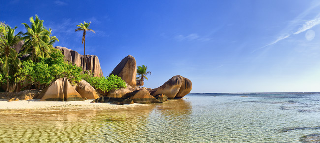 Seychelles-Beach-Africa-Fashion